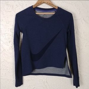 Nike Dri-Fit cropped long sleeve blue pullover